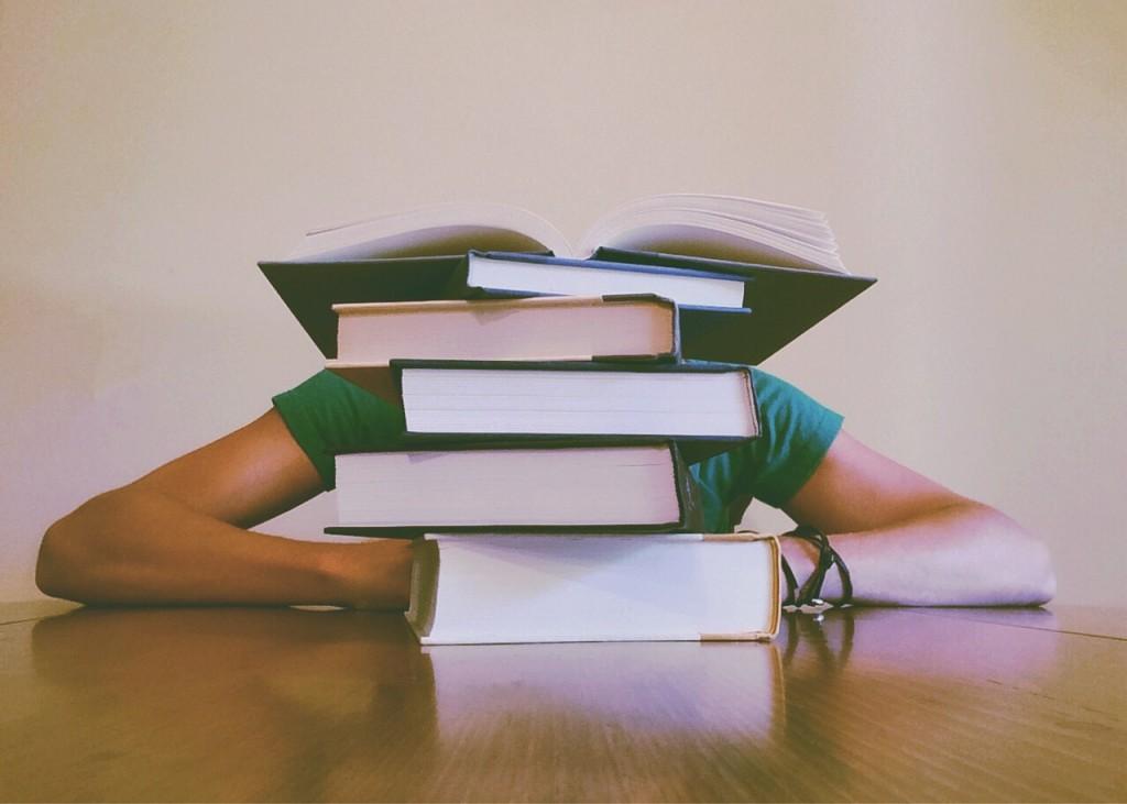 books-927394_1280
